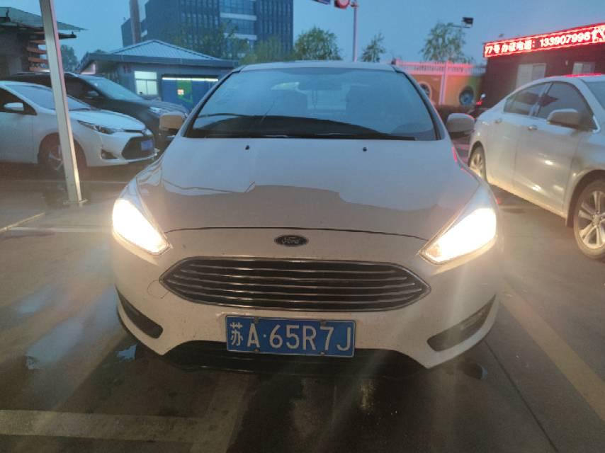 福特福克斯2015款 福克斯 三厢 1.6L 自动舒适型